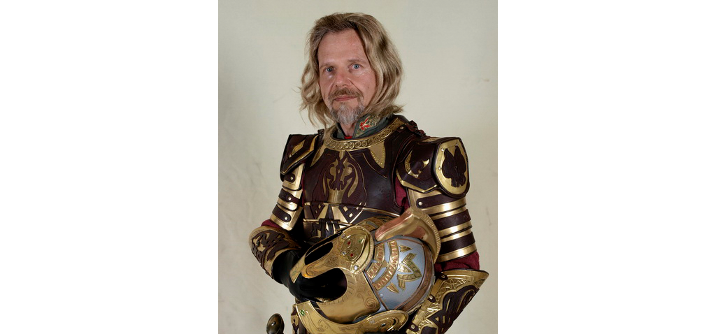 Phil Gust as Theoden
